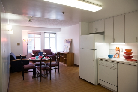 Building Group 3 Apartment: Amsterdam Hall, Kitchen