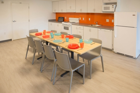 District House: Affinity unit kitchen and dining area