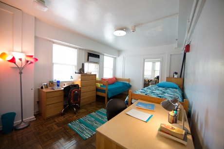 Building Group 1 Studio Apartment: Fulbright, 3-Person Apartment