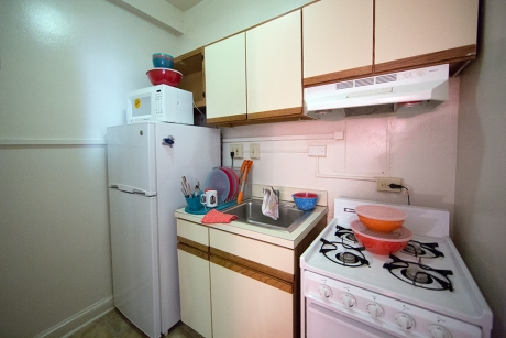 Building Group 1 Studio Apartment: JBKO Hall, Kitchen