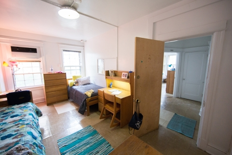 Traditional Rooms: Madison Hall, 4-Person Unit