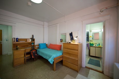 Traditional Rooms: Madison Hall, 2-Person Room