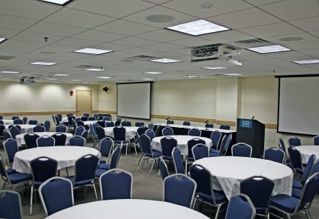 Foggy Bottom meeting room with banquet style setup, 88-110 people