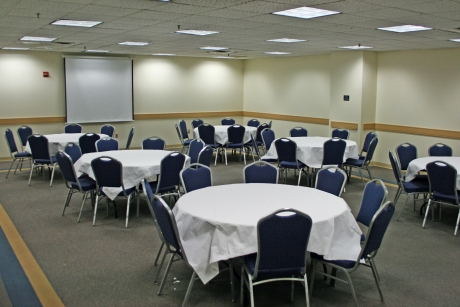 Foggy Bottom meeting room in banquet style setup, 40-60 people